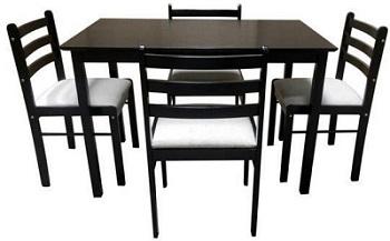 set masa cu 4 scaune de la Tekzen Home, confectionat din lemn