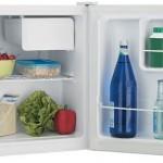 Cum alegi cel mai bun mini frigider pentru biroul tau sau camera de camin